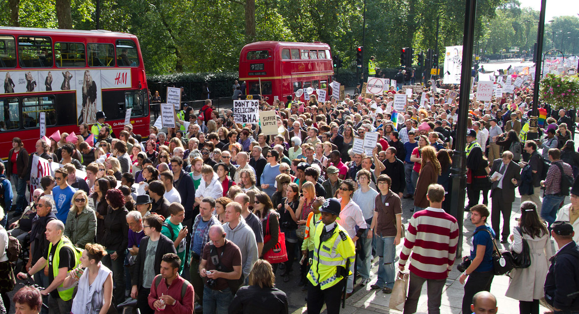 Hundreds rally for the March for a Secular Europe